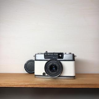 オリンパス(OLYMPUS)のOLYMPAS PEN EE-2【WHITE】整備品、完動品、キャップ付(フィルムカメラ)