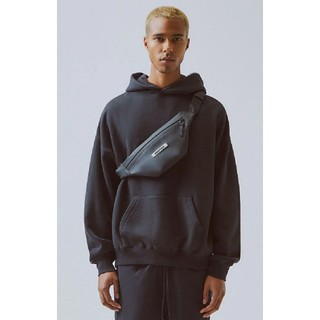 フィアオブゴッド(FEAR OF GOD)のEssentials Waterproof Sling Bag Black(ボディーバッグ)
