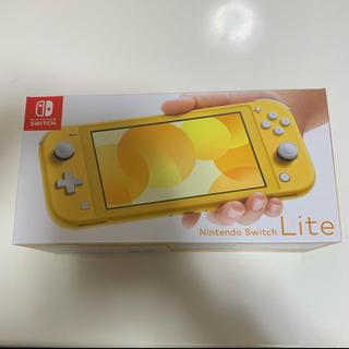 ニンテンドースイッチ(Nintendo Switch)のSwitch Light イエロー スイッチ ライト 中古美品(家庭用ゲーム機本体)