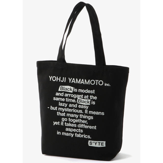 ヨウジヤマモト(Yohji Yamamoto)の「 Black Is Modest」Message tote ヨウジヤマモト(トートバッグ)