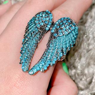 ヴィヴィアンウエストウッド(Vivienne Westwood)のvivienne westwoodチックな羽の指輪 オーシャンブルー 一点のみ(リング(指輪))