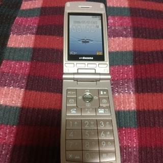 エヌティティドコモ(NTTdocomo)のDOCOMOケータイ L-03A 新品同様(携帯電話本体)