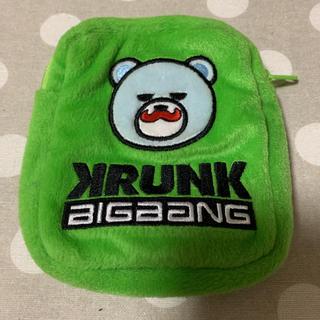 ビッグバン(BIGBANG)のKRUNK×BIGBANG TOPポーチ(アイドルグッズ)