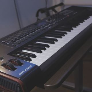 ローランド(Roland)の【美品】novation IMPULSE 61 MIDI キーボード(MIDIコントローラー)