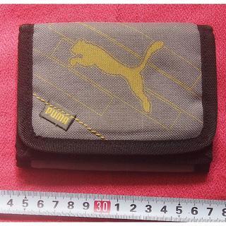 プーマ(PUMA)のこれは便利♪《プーマ puma》変形3つ折りウォレット財布/定期も入りますよ~♪(折り財布)