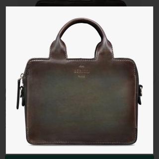 ベルルッティ(Berluti)の美品定価45万ベルルッティBERLUTIプロファイルガリバーメッセンジャーバッグ(メッセンジャーバッグ)