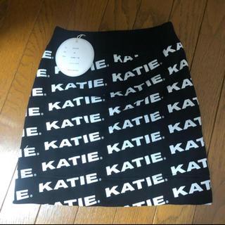 ケイティー(Katie)のKATIE LOGO FAB mini skirt ブラック(ミニスカート)