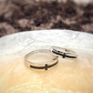 ☆即日発送☆2個セット☆シルバー☆ブラックライン☆ペアリング☆プレゼント(リング(指輪))