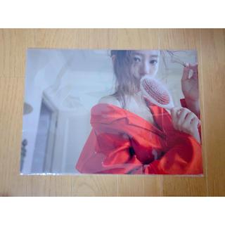トリプルエー(AAA)の伊藤千晃 CHEERS 写真展 ファイル(女性タレント)