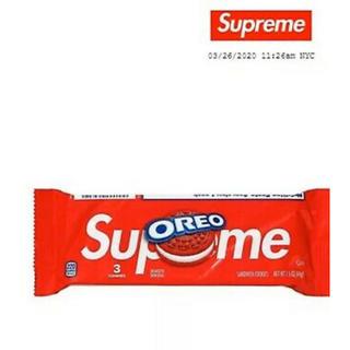 シュプリーム(Supreme)の二個セット正規品新品未開封Supreme Oreo 日本未入荷 3個入り レア(菓子/デザート)