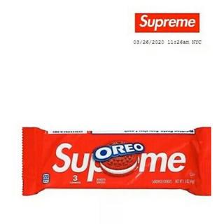 シュプリーム(Supreme)の正規品新品未開封Supreme Oreo 日本未入荷 3個入り レア(菓子/デザート)