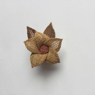 ミツコシ(三越)の羽越 しな布 しな織 手織り 伝統工芸 ブローチ(ブローチ/コサージュ)
