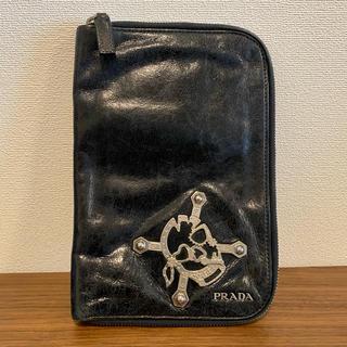 プラダ(PRADA)のPRADA プラダ 財布 パスポートケース(旅行用品)