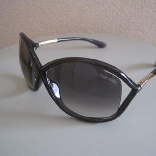 トムフォード(TOM FORD)のトムフォード サングラス WHITNEY FT0009 B5 クリアブラック(サングラス/メガネ)