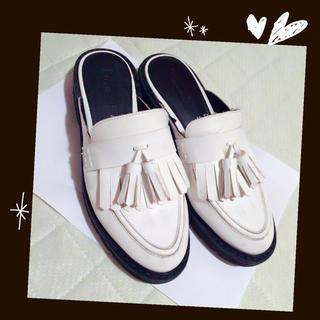 1c08317453d223 ベルシュカ 白 ローファー/革靴(レディース)の通販 4点 | Bershkaの ...