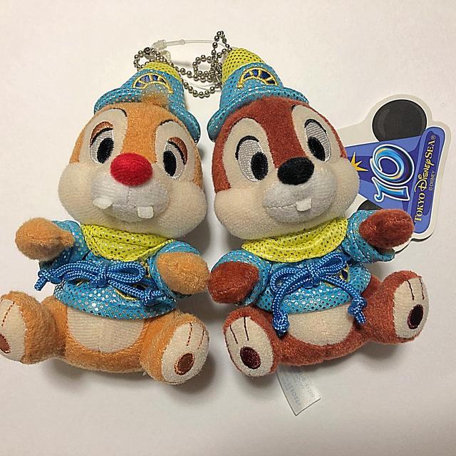 チップ&デール(チップアンドデール)のTDS10周年限定 チップとデール ぬいぐるみバッジ エンタメ/ホビーのおもちゃ/ぬいぐるみ(キャラクターグッズ)の商品写真