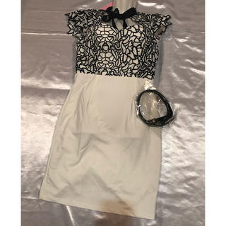 ◆新品タグ付き◆Tika◆厚手上質◆レース切り替えリボンミニドレス◆ベルト付き(ミニドレス)