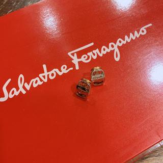 サルヴァトーレフェラガモ(Salvatore Ferragamo)のフェラガモ ゴールド イヤリング(イヤリング)