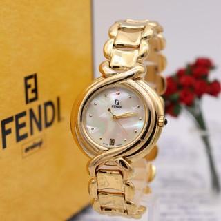 フェンディ(FENDI)の正規品【新品電池】FENDI 700G/レインボーシェル 動作品 人気モデル(腕時計(アナログ))