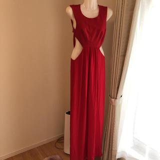 ビーシービージーマックスアズリア(BCBGMAXAZRIA)のbcbg赤ドレス(ロングドレス)