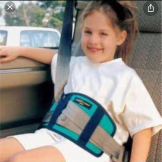 セキュアフィット子供のシートベルト締め付け対策!! シートベルトサポーター(自動車用チャイルドシートクッション)