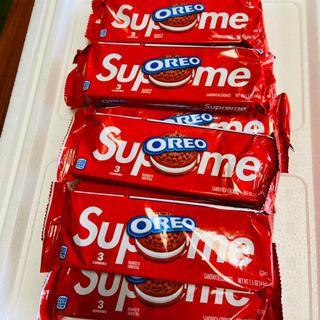 シュプリーム(Supreme)のシュプリーム オレオ Supreme Oreo SS20 2袋セット(菓子/デザート)