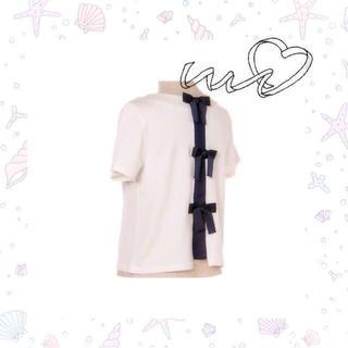 ミスティウーマン(mysty woman)のバックリボンTシャツ(Tシャツ(半袖/袖なし))