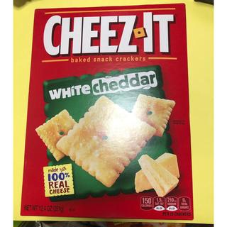 アメリカ輸入菓子CHEEZ.IT  WHITE  cheddar(菓子/デザート)