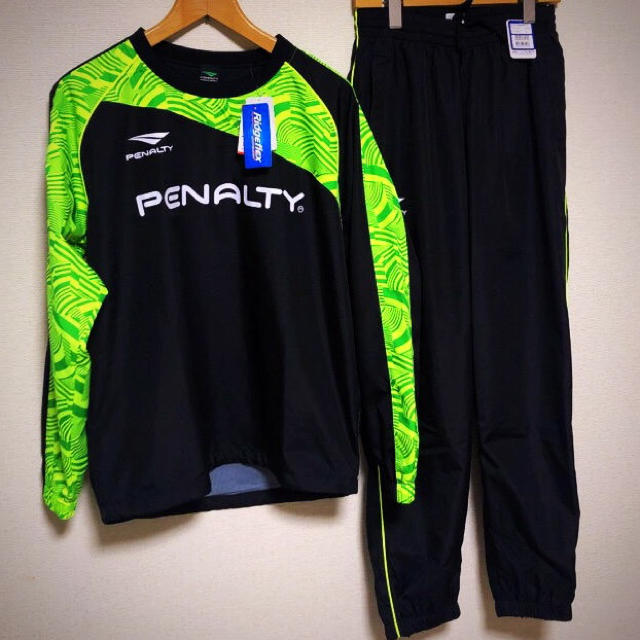 PENALTY(ペナルティ)の【新品】penalty  ペナルティ ピステ  Mサイズ  上下 セット スポーツ/アウトドアのサッカー/フットサル(ウェア)の商品写真