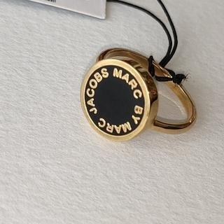 マークバイマークジェイコブス(MARC BY MARC JACOBS)のマークジェイコブス ロゴ リングブラックxゴールド(リング(指輪))