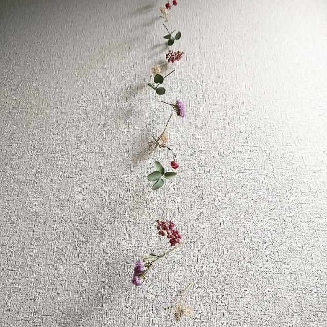 m 色香漂う ドライフラワーモビール 縦長ガーランド ハンドメイドのフラワー/ガーデン(ドライフラワー)の商品写真
