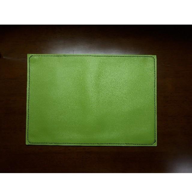 【単行本用】PVCレザー手縫いブックカバー ハンドメイドの文具/ステーショナリー(ブックカバー)の商品写真
