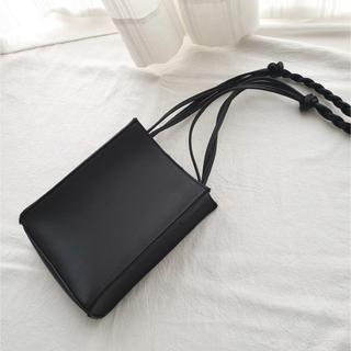 アングリッド(Ungrid)のロープショルダーバッグ  フェイクレザー  ブラック レザー調(ショルダーバッグ)