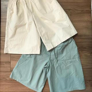 ユニクロ(UNIQLO)のユニクロ 子供服 130cmワイドパンツ(パンツ/スパッツ)