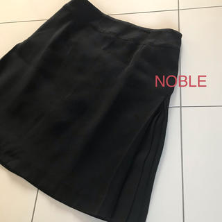 ノーブル(Noble)のNOBLE スカート ひざ丈 ブラック S(36)美品(ひざ丈スカート)