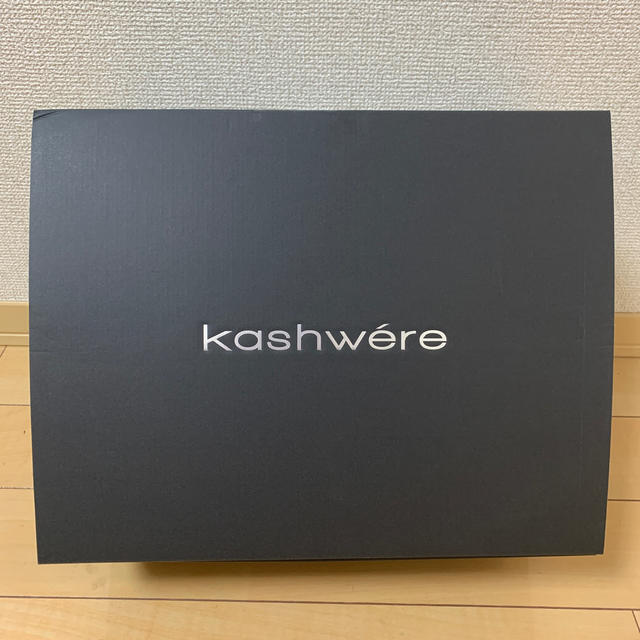 kashwere(カシウエア)のメルセデスベンツ カシウエアブランケット インテリア/住まい/日用品の寝具(毛布)の商品写真