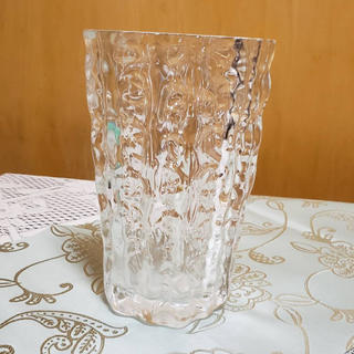 トウヨウササキガラス(東洋佐々木ガラス)の東洋佐々木ガラスの花びん 送料込み(花瓶)