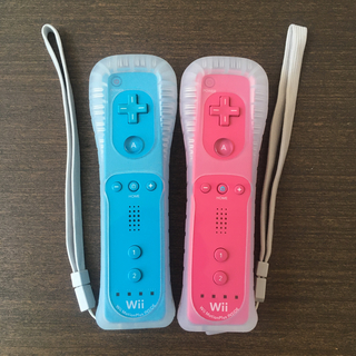 ウィー(Wii)の【Q】☆wii Wiiリモコンモーションプラス ピンク&水色2個セット☆(その他)