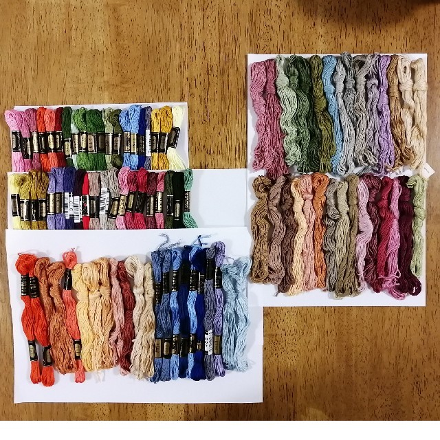 OLYMPUS(オリンパス)の刺繍糸 OLYMPUS★92本セット  オリムパス 25番 刺しゅう糸 ハンドメイドの素材/材料(生地/糸)の商品写真