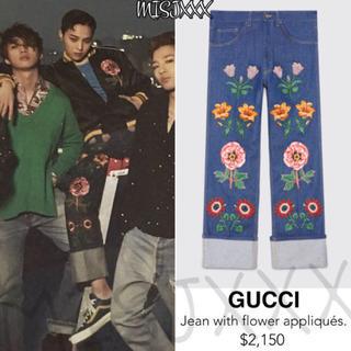 グッチ(Gucci)の最終価格 GUCCI Jean with flower appliqués(デニム/ジーンズ)