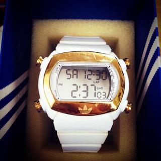 アディダス(adidas)のadidas ホワイト腕時計(腕時計)