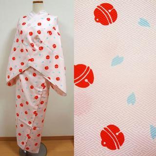 ピンク色に鈴と花びら 単衣 洗える長襦袢(着物)