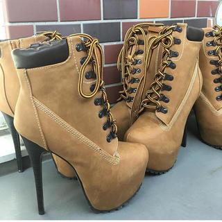 イエローブーツ(Yellow boots)の25日まで値下げ!ティンバ風 ベージュブーティー(ブーティ)