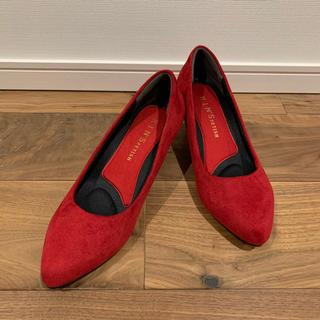 エニィファム(anyFAM)の赤パンプス 23.0cm かかと、足裏にクッション付き!定価3710円(ハイヒール/パンプス)