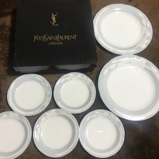 イヴサンローランボーテ(Yves Saint Laurent Beaute)の新品 イブサンローラン お皿 セット(食器)