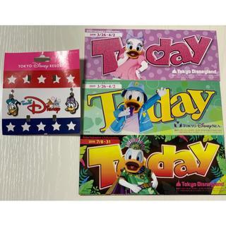 ディズニー(Disney)のドナルド&デイジー イヤリング +Today🍍(イヤリング)