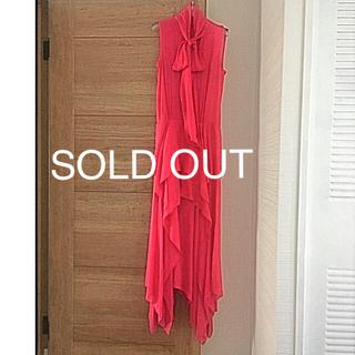 ビーシービージーマックスアズリア(BCBGMAXAZRIA)の売り切れました! BCBGMAXAZRIA ロング ノースリーブ ドレス(ロングワンピース/マキシワンピース)
