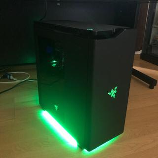 レイザー(LAZER)のRAZER ゲーミングデスクトップパソコン本体と周辺機器セット(デスクトップ型PC)