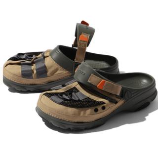 crocs × BEAMS 別注 フィッシングベストサンダル ベージュ サイズ7(サンダル)