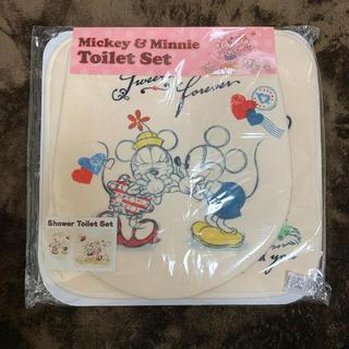 ディズニー(Disney)のミッキー&ミニー トイレセット(トイレマット)